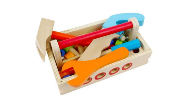 Деревянный верстак с инструментами