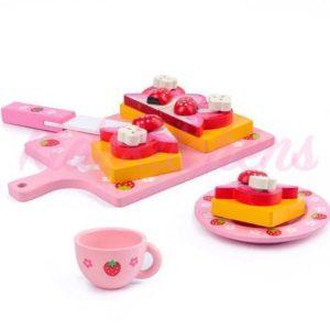 Детская игрушка «Клубничный пирог»